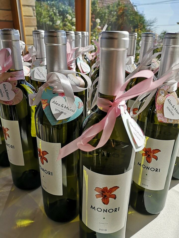 Szeptemberi esküvő a KultPincében, Monori közösségi bor